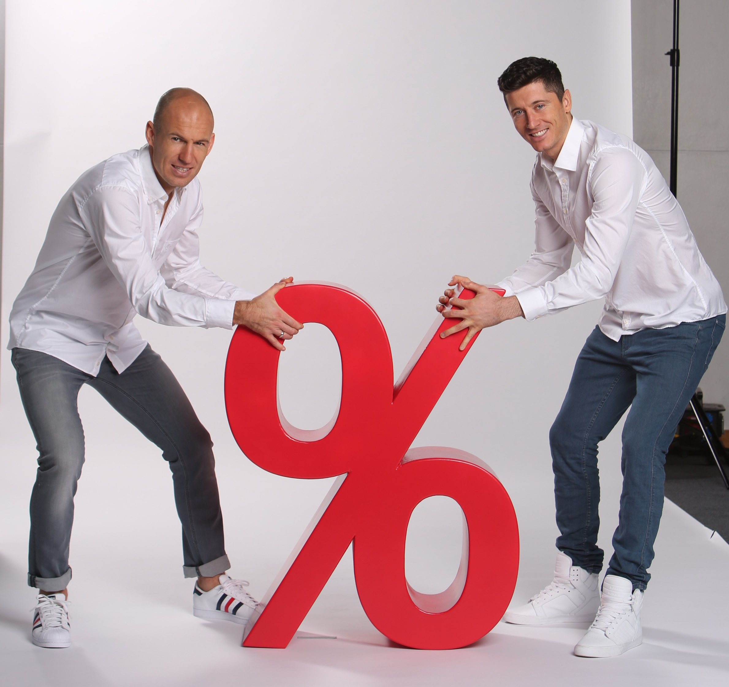Sale-_Lewandowski_Robben_0003