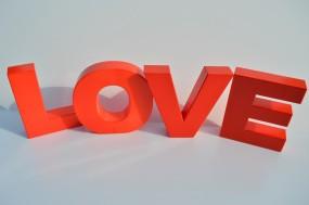 Mietbuchstaben LOVE H: ca. 45 cm (Hochzeitsdekoration)
