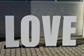 Mietbuchstaben LOVE weiß H: ca. 1 m (Hochzeitsdekoration)