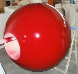 Über 1m Styroporkugeln mit Hartbeschichtung und Lackierung