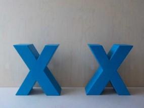 2,5 m farbige Styroporbuchstaben mit Hartbeschichtung